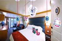 Disney Cruise Line Holiday Stateroom Decorations