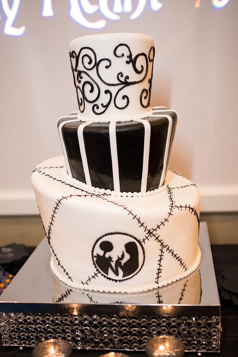 Wedding Cake Wednesday: Nightmare Before Christmas | Disney Weddings ...