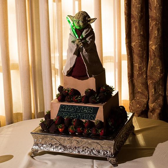 Star War Unique Wedding Cake: Wedding Cake Wednesday: Star Wars Master Yoda