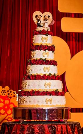 Wedding Cake Wednesday: Red & Gold Magic From Hong Kong Disneyland ...