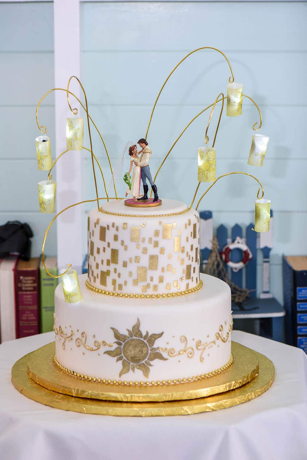 tangled wedding cake topper wedding cake wednesday tangled in disney weddings 20753