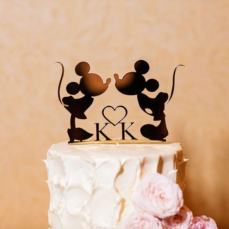 Images Courtesy Of White Rabbit Photo Boutique Korri CATEGORIES Wedding Cake Wednesday