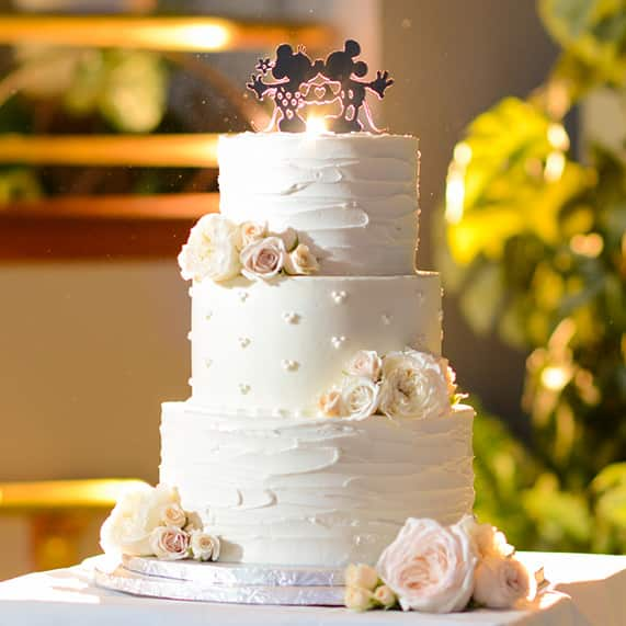 Clic White Wedding Cake You May Be Able To Spot Just A Few Hidden Mickeys And Thanks Famous Duo This Became Complete Disney Dream