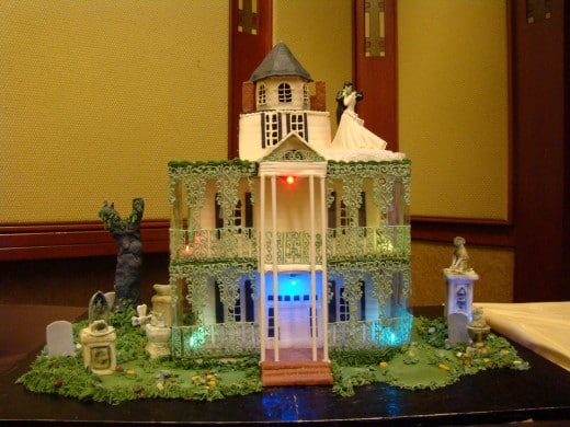 You Asked I Listened So Without Further Ado Here Are More Images Of The Incredible Disneyland Haunted Mansion Cake