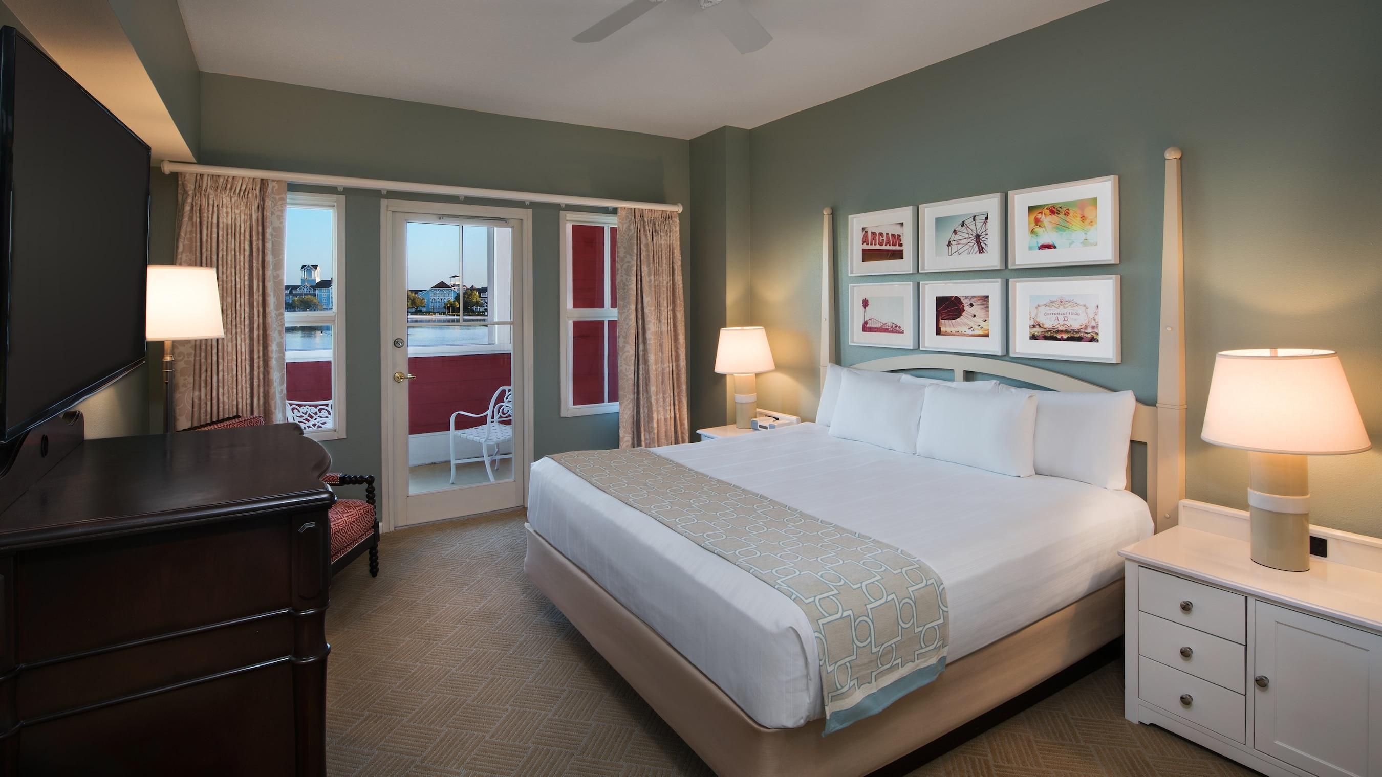 Rooms points disney 39 s boardwalk villas disney for Boardwalk villas 1 bedroom