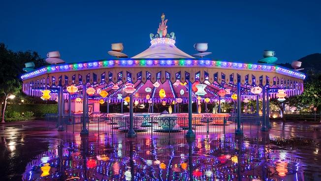瘋帽子旋轉杯 遊樂設施 香港迪士尼樂園度假區